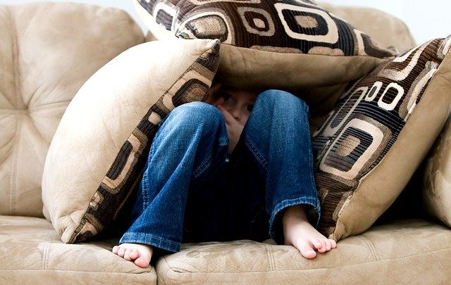 Ozdobne poduszki na kanapę