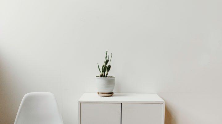 Jaki kolor ścian do białych mebli wybrać?