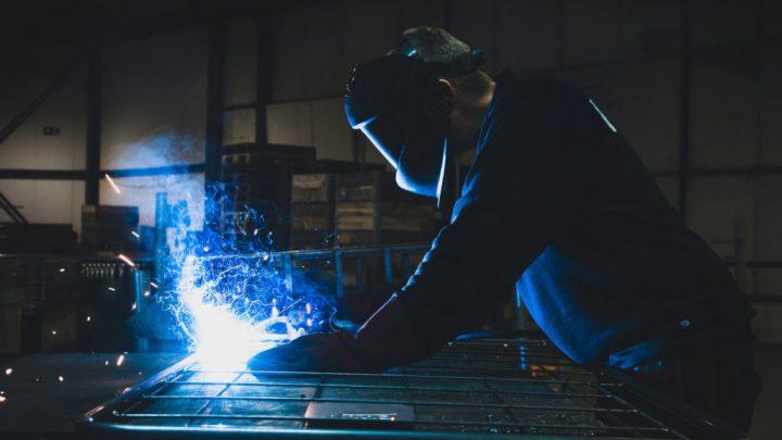 Co warto wiedzieć o laserowym cięciu blach?