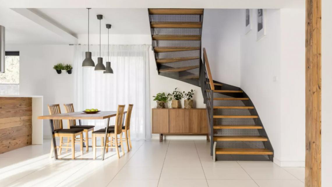 Jakie schody na poddasze będą najlepsze?